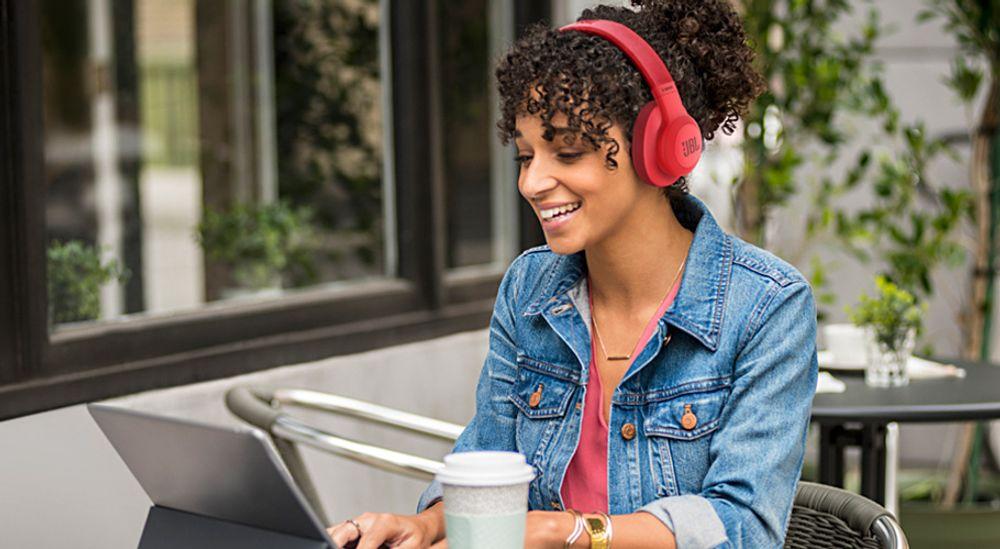 Casque audio supra-auriculaire Bluetooth® 4.0 avec autonomie de 20 h - JBL E55BT