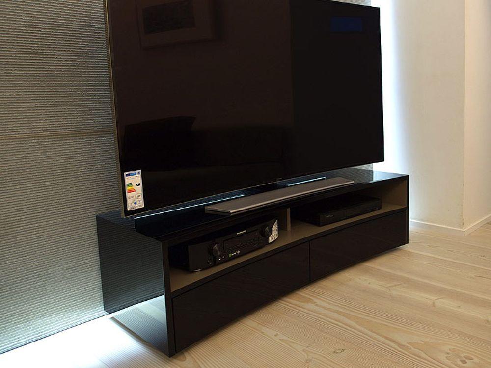 Norstone valmy noir meubles et pieds tv for Meuble tv 55 pouce